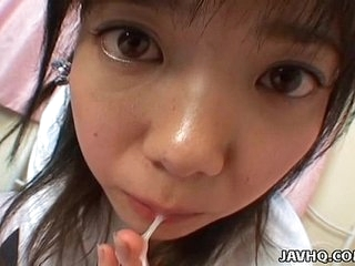 Young japanese teen gives a perfect blowjob and pay off