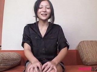 Japanese MILF Makiko Sumida fucked prevalent pussy