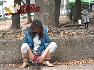 Japanese babe public pee