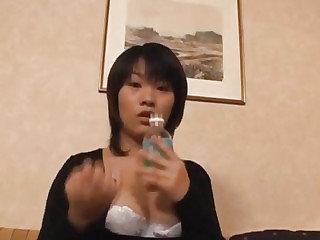 Japanese AV Model sensual pussy play close by solo