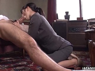 Slot Lady Kana getting her wet pussy creampied